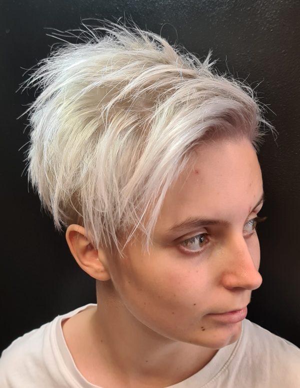 Zig Zag Hair Design - Short Spiky Hair Female Style