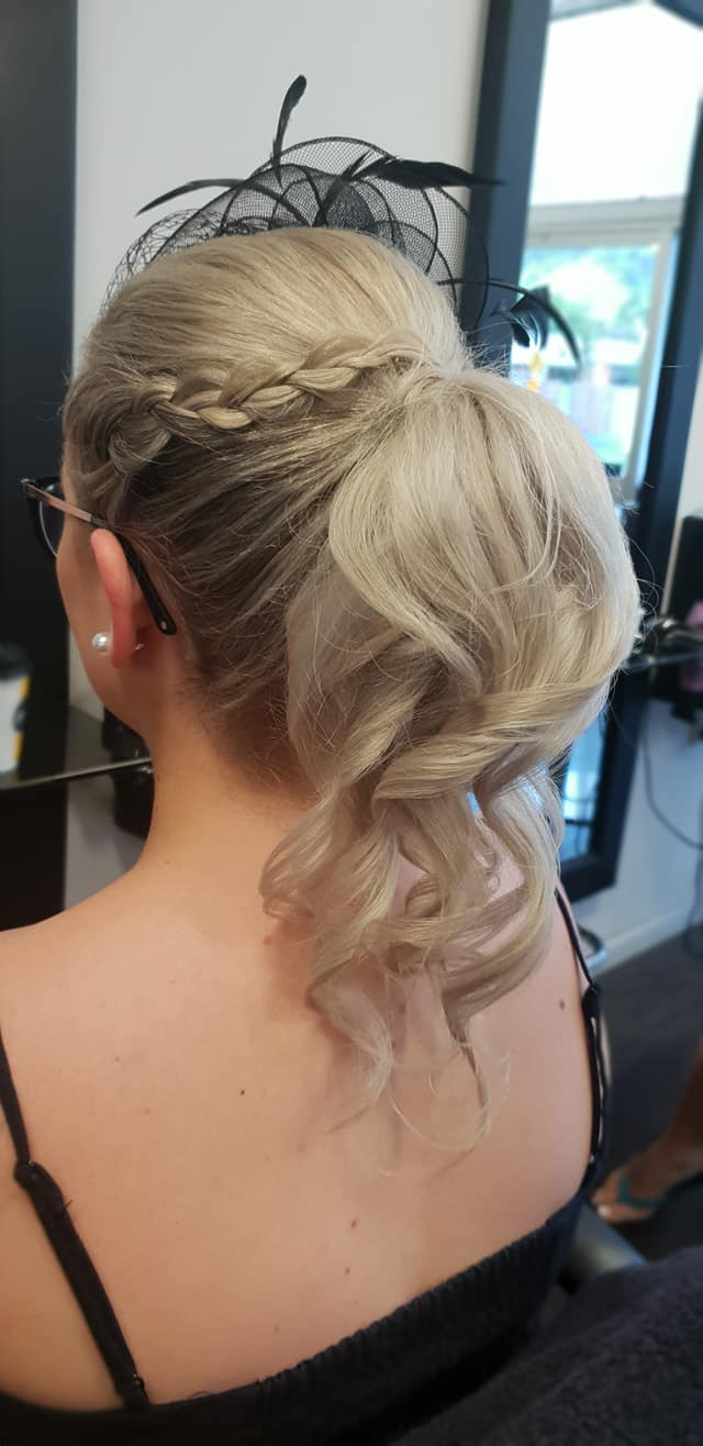 Zig Zag Hair Design - Blonde lady with braids and curled hair